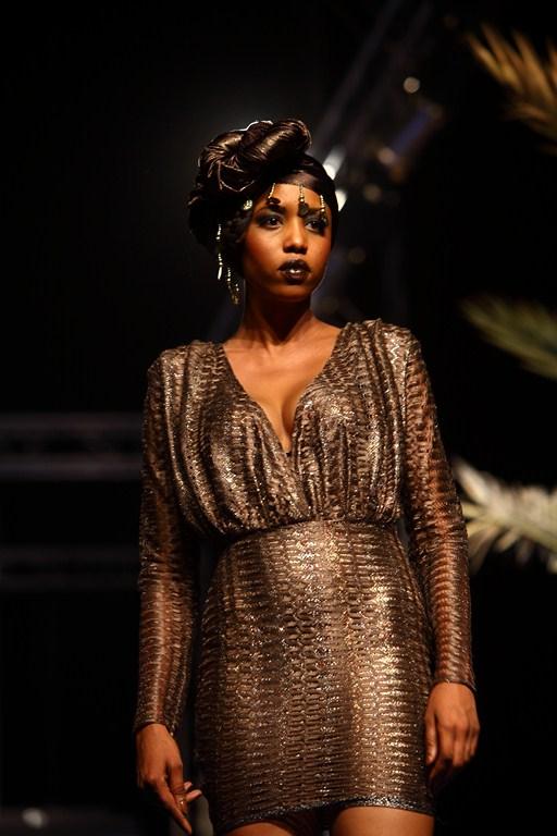 Dakar fait le buzz avec adama paris et sa fashion week for Boite africaine paris