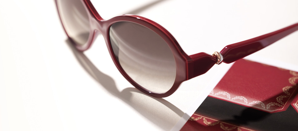 http://webzine.unitedfashionforpeace.com/wp-content/uploads/2012/10/lunettes-trinity-de-cartier.jpg