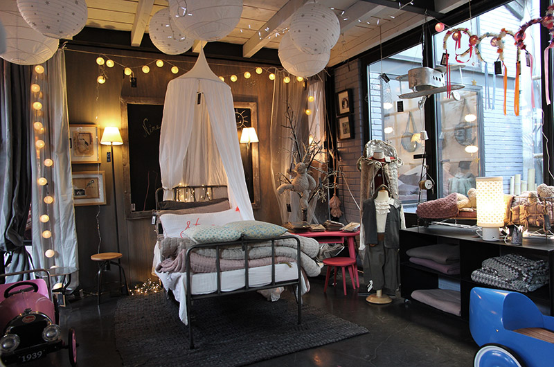 mona market concept store par elisabeth verdier. Black Bedroom Furniture Sets. Home Design Ideas