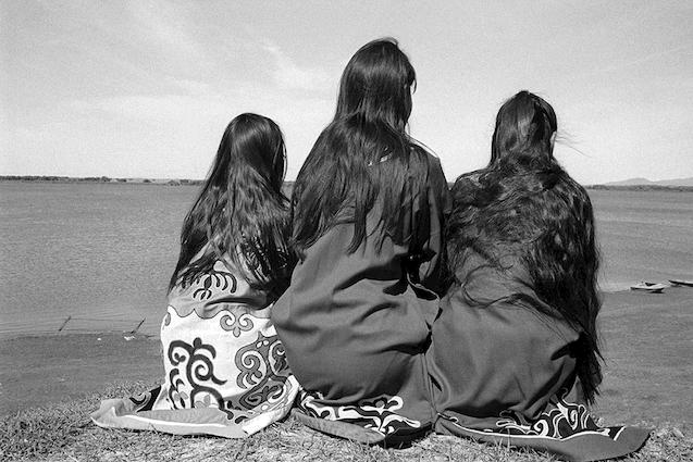 BD.1©Claudine Doury_Peuples de Sibérie.Jeunes filles oultches, Boulava, fleuve Amour.